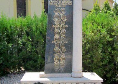 Mérk II. világháborús emlékmű 2014.08.04. küldő-kalyhas (2)