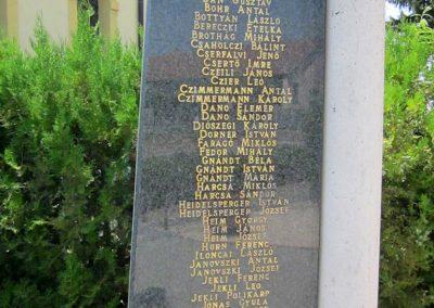 Mérk II. világháborús emlékmű 2014.08.04. küldő-kalyhas (4)