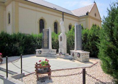Mérk II. világháborús emlékmű 2014.08.04. küldő-kalyhas