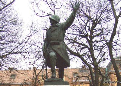 Mór I. világháborús emlékmű 2006.11.28. küldő-Venczlik Krisztián (1)
