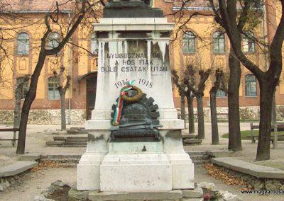 Mór I. világháborús emlékmű 2006.11.28. küldő-Venczlik Krisztián (2)