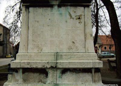 Mór I. világháborús emlékmű 2006.11.28. küldő-Venczlik Krisztián (3)
