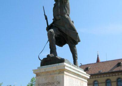 Mór I. világháborús emlékmű felújítás után 2013.06.29. küldő-Emese (1)