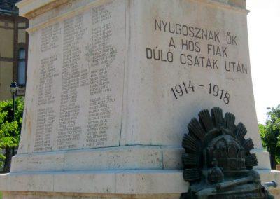 Mór I. világháborús emlékmű felújítás után 2013.06.29. küldő-Emese (4)