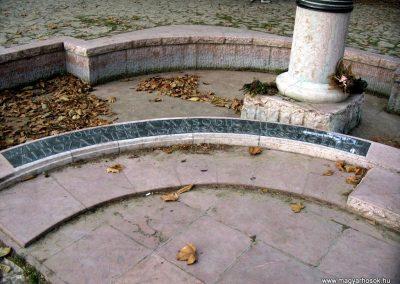 Mór Szent György-kút II. világháborús emlékmű 2006.11.28. küldő-Venczlik Krisztián (2)