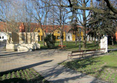 Mórahalom II. világháborús emlékmű 2015.02.14. küldő-Emese