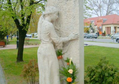 Mórahalom II.vh emlékmű 2008.04.06.küldő-Prong (1)