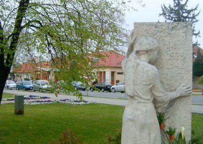 Mórahalom II.vh emlékmű 2008.04.06.küldő-Prong