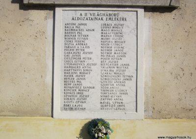 Madaras világháborús emléktáblák 2011.08.17. küldő-kalyhas (8)