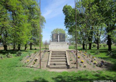 Magy világháborús emlékmű 2012.04.27. küldő-kalyhas (1)