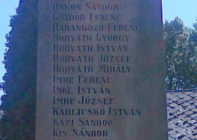 Magyaratád világháborús emlékmű 2010.08.26. küldő-Csiszár Lehel (5)
