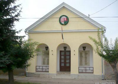 Magyarcsanád hősök háza 2012.07.13. küldő-Sümec