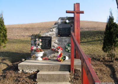 Magyargéc-Kisgéc II.vh emlékmű 2011.03.12. küldő-kalyhas (1)
