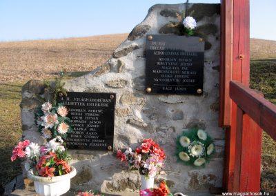 Magyargéc-Kisgéc II.vh emlékmű 2011.03.12. küldő-kalyhas (2)