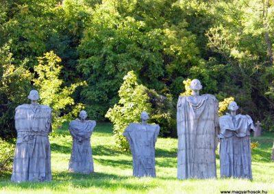 Magyarpolány világháborús emlékmű 2013.10.06. küldő-Méri (1)