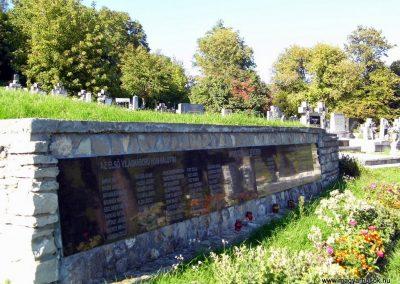 Magyarpolány világháborús emlékmű 2013.10.06. küldő-Méri (2)