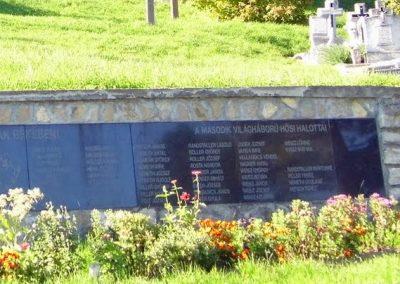 Magyarpolány világháborús emlékmű 2013.10.06. küldő-Méri (9)