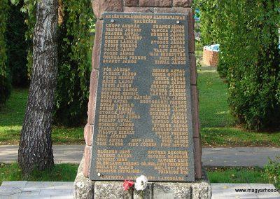 Magyarszék II.vh emlékmű 2003.10.12. küldő-Pfaff László,Rétság (1)