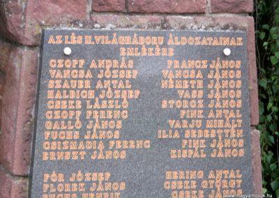Magyarszék világháborús emlékmű 2011.03.31. küldő-Ősz Béláné (1)