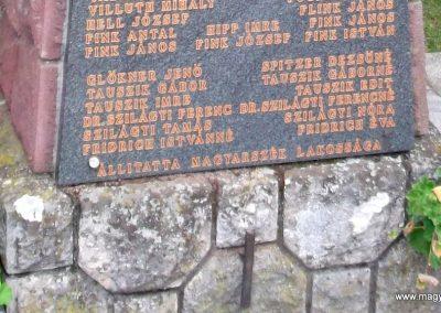 Magyarszék világháborús emlékmű 2011.03.31. küldő-Ősz Béláné (3)