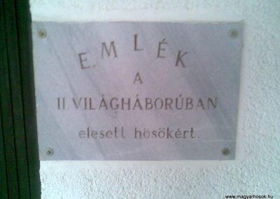 Magyarszentmiklós II.vh emléktábla a temetőben 2010.11.01. küldő-Sümec (1)