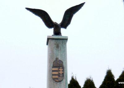 Magyarszentmiklós világháborús emlékmű 2009.01.01. küldő-Sümec (3)
