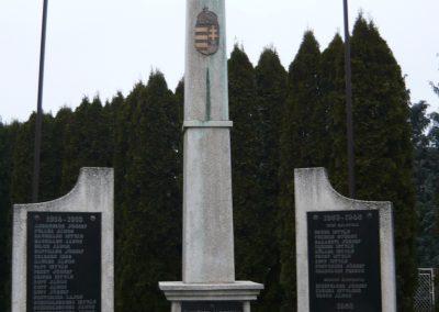 Magyarszentmiklós világháborús emlékmű 2009.01.01.küldő-Sümec (2)