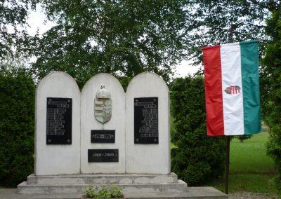 Magyarszombatfa világháborús emlékmű 2009.05.23. küldő-Ágca