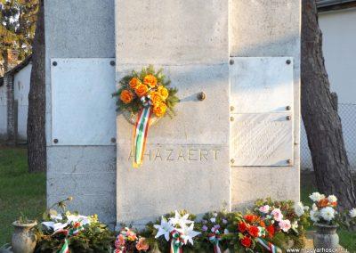 Majosháza világháborús emlékmű 2015.10.31. küldő-kalyhas (3)