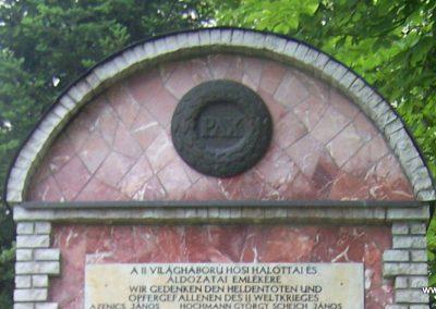Majs II.vh emlékmű 2009.06.01. küldő-Horváth Zsolt (1)