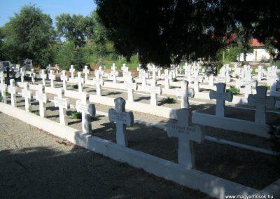 Makó katolikus temető megújult emlékműés katonasírok 2018.09.16. küldő-Bali Emese (10)