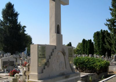 Makó katolikus temető megújult emlékműés katonasírok 2018.09.16. küldő-Bali Emese (7)