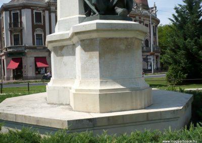 Makó világháborús emlékmű 2012.07.13. küldő-Sümec (14)
