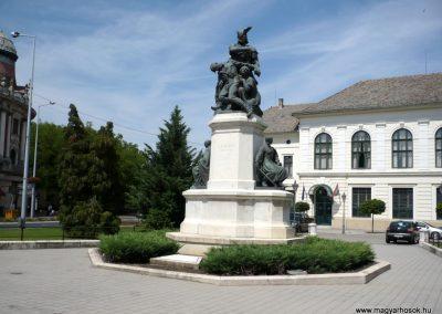 Makó világháborús emlékmű 2012.07.13. küldő-Sümec (35)