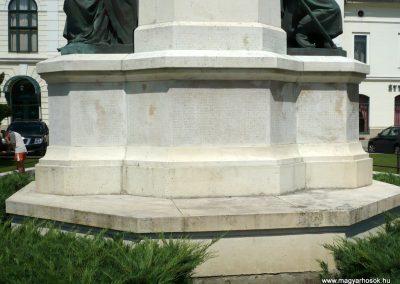 Makó világháborús emlékmű 2012.07.13. küldő-Sümec (7)