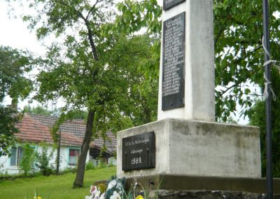 Makkoshotyka világháborús emlékmű 2010.06.20. küldő-Ágca (6)