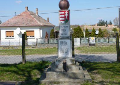 Marcali-Boronka II. világháborús emlékmű küldő-Sümec
