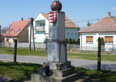 Marcali-Boronka II. világháborús emlékmű küldő-Sümec (8)