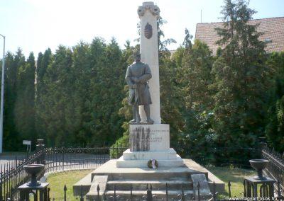 Marcali I. világháborús emlékmű 2012.08.16. küldő-Sümec (2)