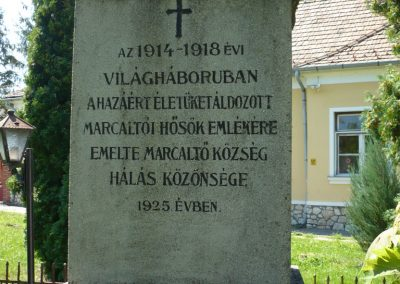 Marcaltő világháborús emlékmű 2009.07.24.küldő-Sümec (2)