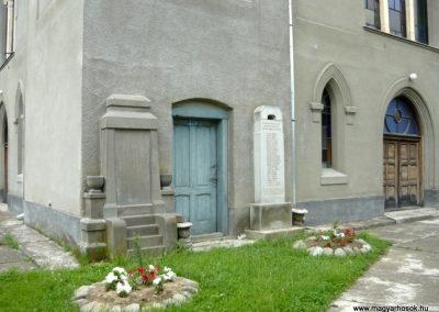 Marosfelfalu világháborús emlékmű 2011.06.21. küldő-Ágca