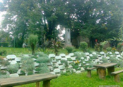 Martonfa világháborús emlékmű 2014.10.08. küldő-Turul 68