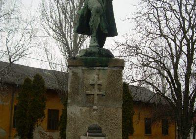 Martonvásár I.vh emlékmű 2009.04.27.küldő-Magyar Benigna