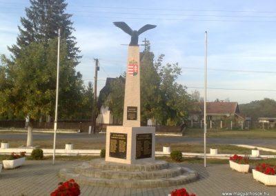 Martonyi világháborús emlékmű 2011.09.25. küldő-Horváth Zsolt (1)
