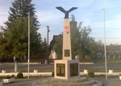 Martonyi világháborús emlékmű 2011.09.25. küldő-Horváth Zsolt