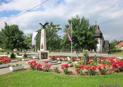 Martonyi világháborús emlékmű 2014.06.15. küldő-kalyhas