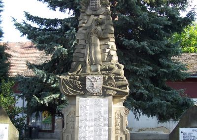 Mecseknádasd világháborús emlékmű 2007.05.10. küldő-Horváth Zsolt (1)