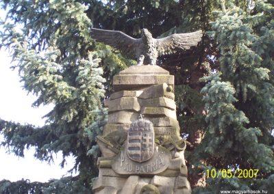 Mecseknádasd világháborús emlékmű 2007.05.10. küldő-Horváth Zsolt (2)