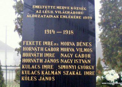 Medve világháborús emlékmű 2012.12.16. küldő-Méri (1)