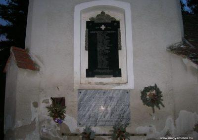 Meggyeskovácsi-Rábakovácsi világháborús emléktáblák 2008.01.27. küldő-Tamás2 (1)
